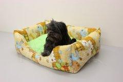 Obdelníček malý - bavlněný Pejsci béžoví - zelený polštář Pelíšky pro psy - Pelechy - Obdelníček