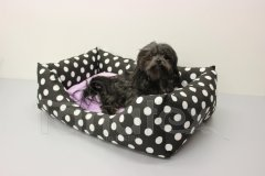 Obdelníček malý - bavlněný Černé velké puntíky - fialový polštář Pelíšky pro psy - Pelechy - Obdelníček