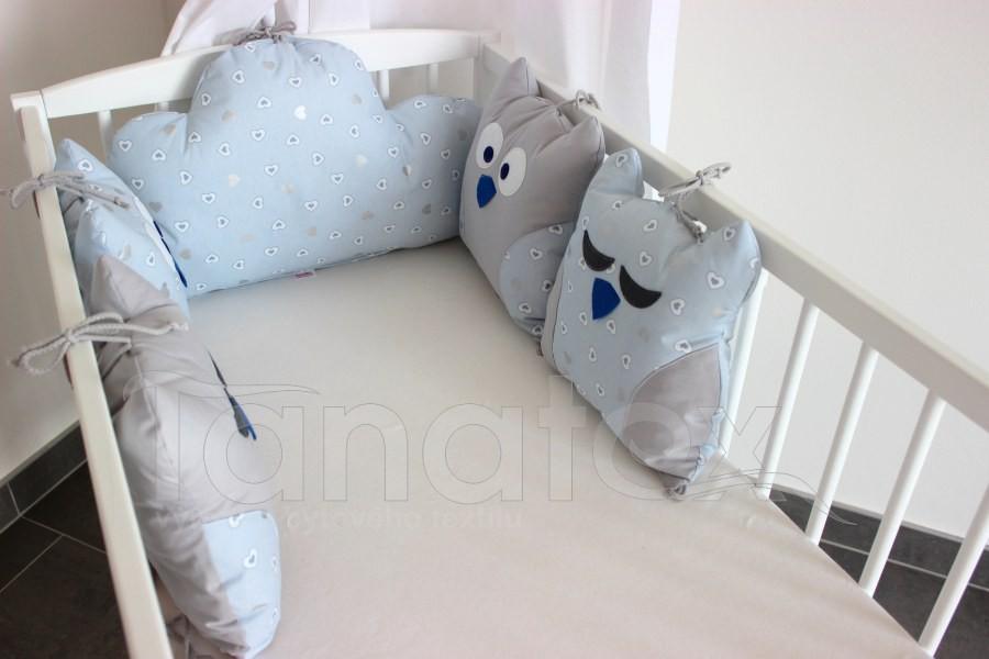 5dílný mantinel z polštářků - Sovy šedá a bílá srdíčka v modré - uni šedá - Polštářkový mantinel exclusive
